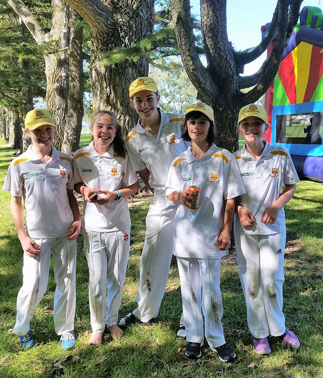 Girls cricket in Halswell